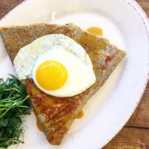 crepe w egg